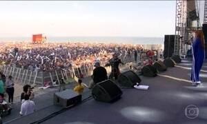 Praia de Copacabana recebe o maior festival brasileiro de música gospel