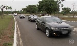 Temer desembarca em Brasília e não comenta a prisão de Cunha