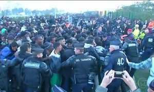 França está pronta para demolir campo de refugiados de Calais