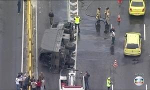 Acidente com caminhões da Aeronáutica deixa feridos no Rio