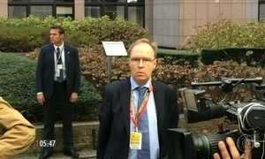 Embaixador britânico na UE renuncia a três meses do início das negociações