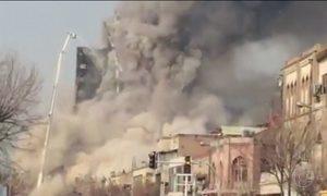 No Irã, prédio em chamas desaba quando bombeiros tentavam apagar incêndio