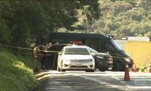 Carro cheio de explosivos para a principal BR no Sul do país