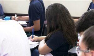 Pais têm dificuldade para pagar a mensalidade de escolas particulares