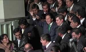 Ex-presidente do Peru acusado de receber propina diz em rede social que não está foragido