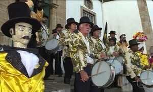 Bumbos bateram em Ouro Preto para celebrar os 150 anos do Zé Pereira
