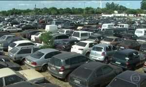 Mais de 8 mil veículos apreendidos apodrecem nos pátios da Receita Federal