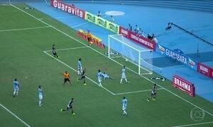 Vasco fica no empate com Macaé na estreia de Luis Fabiano