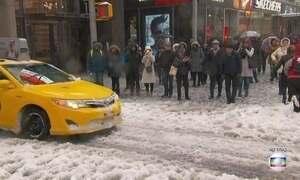 Costa leste dos EUA enfrenta a maior tempestade de neve do ano