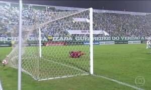 Chapecoense perde e Santos vence na Libertadores