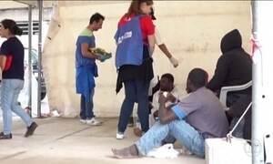 Itália faz megaoperação para resgatar imigrantes no Mar Mediterrâneo