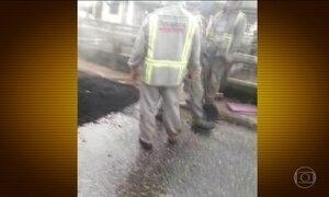 Asfalto é desperdiçado para tapar buracos em ruas alagadas de Belém