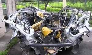 Mulher morre na explosão de carro em posto no RJ