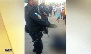 MP denuncia por homicídio doloso PMs que mataram suspeitos em porta de escola no RJ