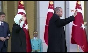 Trump cumprimenta o presidente da Turquia, Recep Tayyip Erdogan, pela vitória no referendo