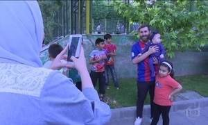 Sósia de Messi faz sucesso no Irã