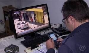 Câmeras ajudam a multar quem não respeita leis de trânsito em várias cidades