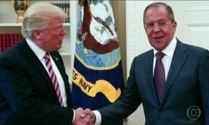 Donald Trump defende o direito de compartilhar informações com a Rússia