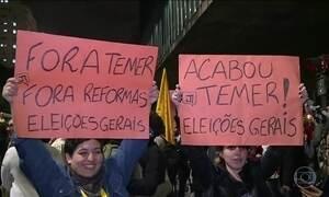 Manifestantes pedem a saída do presidente Michel Temer em São Paulo