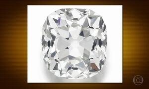 Britânica usava anel de diamante de R$ 1,5 milhão pensando que era bijuteria