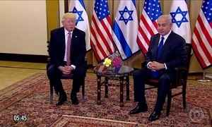 Benjamin Netanyahu recebe Donald Trump em visita a Israel