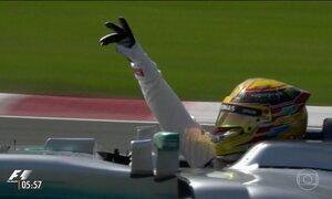 Lewis Hamilton vence de ponta a ponta o GP do Canadá de F-1