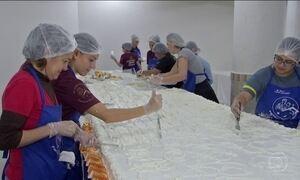 Tradição de distribuir bolo no dia de Santo Antônio já dura 20 anos em MS