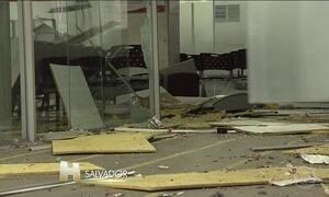 Assaltantes explodem caixas de um banco em bairro populoso de Salvador