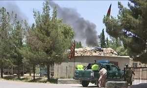 Carro-bomba explode no Afeganistão e mata 29 pessoas
