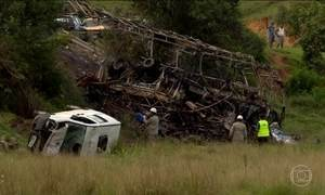 Sobe para 22 o número de mortos em acidente na BR-101, no Espírito Santo