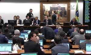 Governo segue buscando apoio e trocando integrantes da CCJ