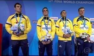 Brasil ganha prata no revezamento 4x100m no Mundial de natação