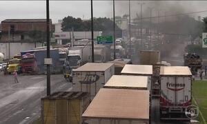 Caminhoneiros protestam por causa do preço dos combustíveis e a insegurança nas estradas