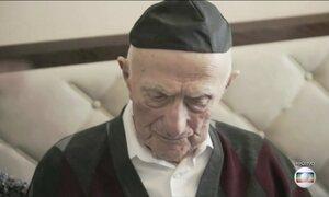 Homem considerado o mais idoso do mundo morre em Israel aos 113 anos
