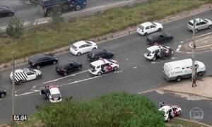 Imagens mostram tiroteio em tentativa de roubo a comboio de carros-fortes em SP