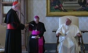Papa admite que Vaticano demorou a investigar casos de pedofilia cometidos na Igreja