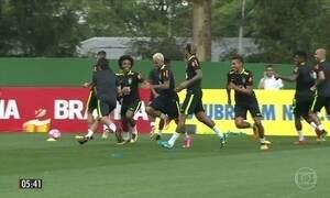 Seleção Brasileira treina para enfrentar o Chile pelas eliminatórias da Copa da Rússia