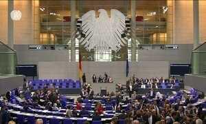 Partido de extrema-direita participa da primeira sessão no parlamento alemão