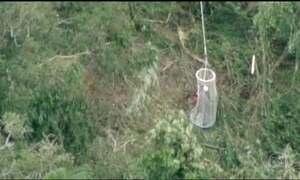 Onze pessoas que faziam passeio de balão no interior de SP são resgatadas de uma mata