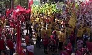Sindicatos protestam em 24 capitais contra reformas trabalhista e da Previdência