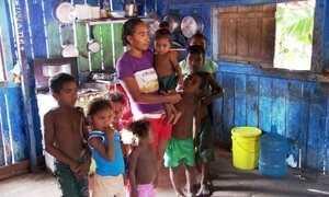 Extra: Caco Barcellos entrevista jovem mãe de 13 filhos