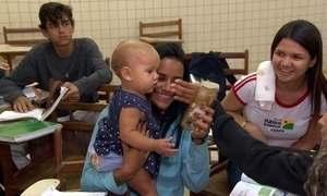 Gravidez precoce muda a realidade de meninas pelo Brasil