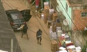 Bandidos são flagrados durante roubo de carga no Rio de Janeiro