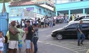 Filas para tomar vacina contra a febre amarela não param de crescer no Rio
