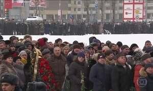 Na Rússia, milhares de pessoas prestaram homenagem a piloto morto na guerra da Síria