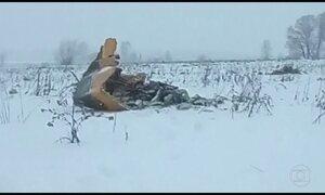 Avião cai perto de Moscou e deixa 71 mortos