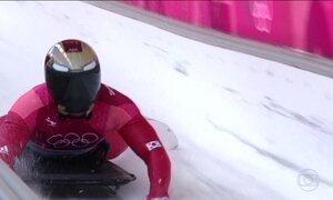 Atletas do skeleton abusam da criatividade na confecção dos capacetes