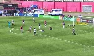 Corinthians goleia por 4 a 0, assume a liderança e deixa Paraná na lanterna