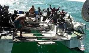 PF prende dois brasileiros por imigração ilegal após encontrá-los com africanos em barco