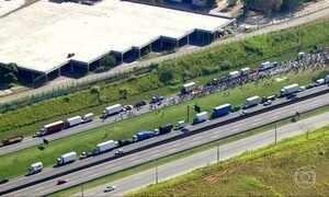 Bloqueios parciais de rodovias seguem em todas as regiões do país